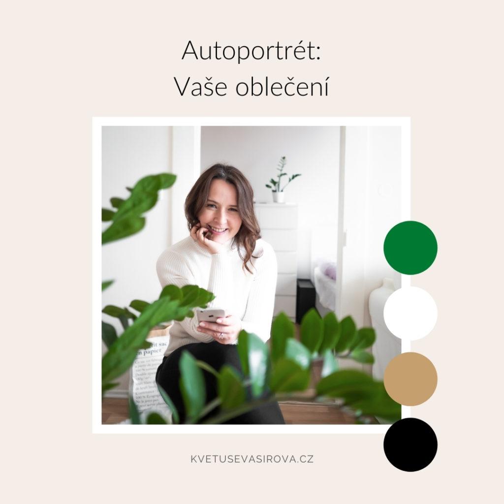 autoportrét spokojovou rostlinou abílým rolákem